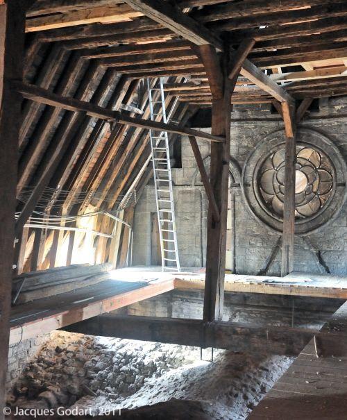 Charpente gothique les amis de l 39 glise saint jacques for Interieur d un couvent